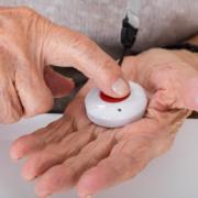 Quelles alarmes pour personnes âgées choisir ?