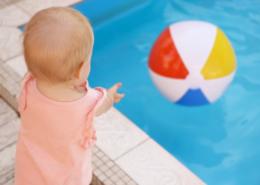 Sécurité d'une piscine : le bracelet est-il une bonne idée ?